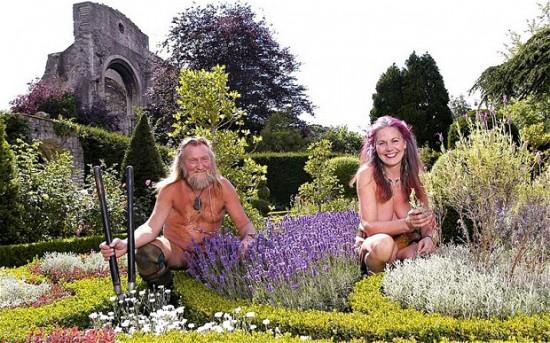 Naked-Gardeners_2913055b