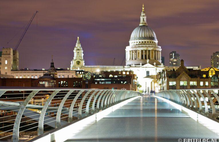 St Paul's Cathedral vanaf Millenium Bridge