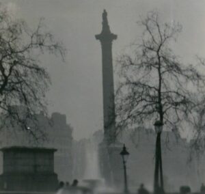 The Great smog of London © N T Stobbs (cc-by-sa/2.0)