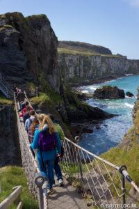durf jij deze touwbrug in Noord-Ierland over?