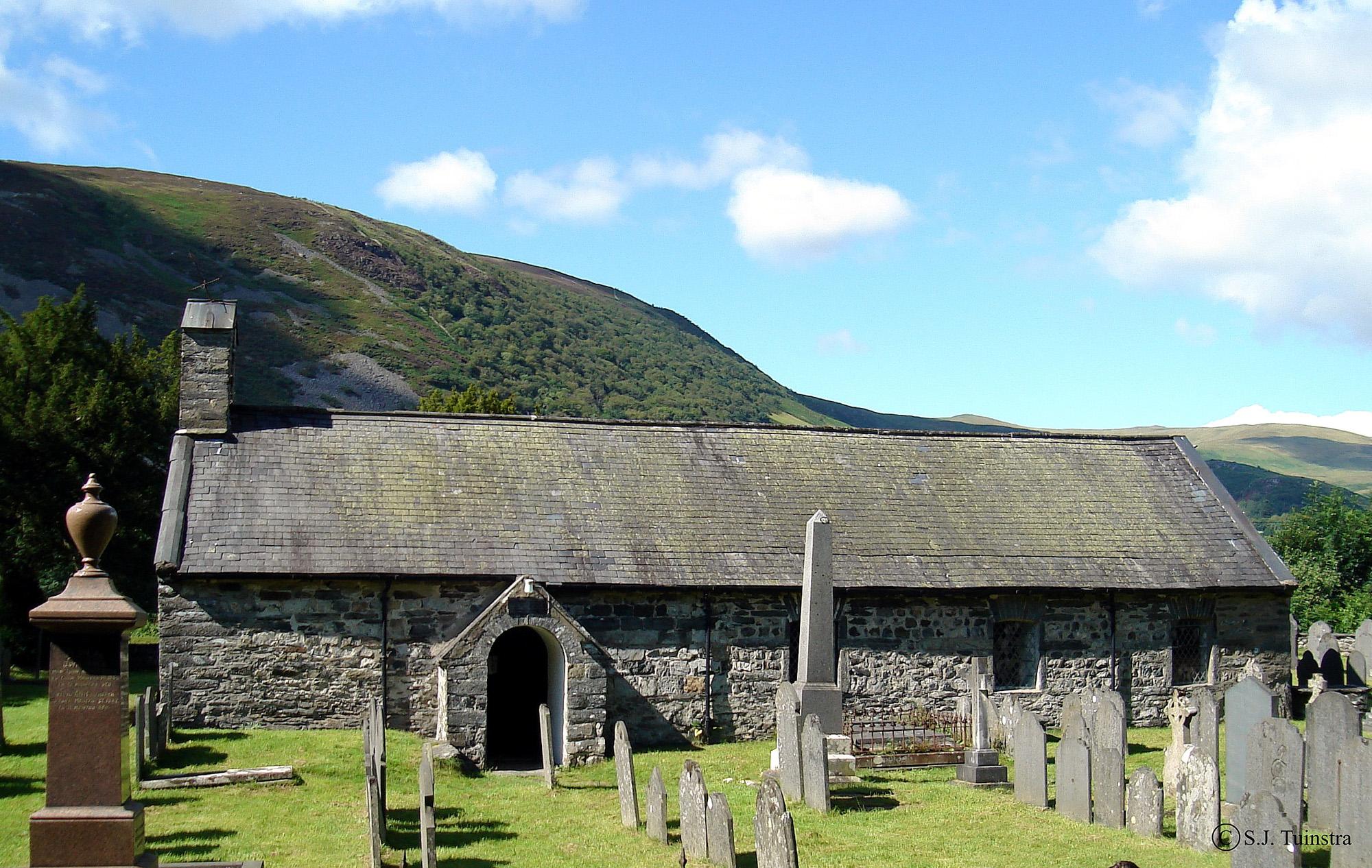 Llanfihangel-y-Pennant , St Michael's Church.